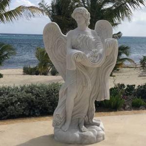 Скульптура из мрамора: Ангел с дарами