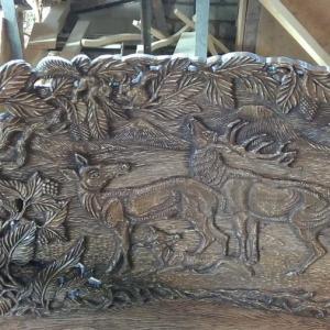 Деревянная скульптура: Барельеф с оленями