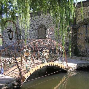 Бетонный забор Крытый сад