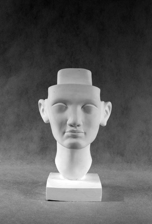 Гипсовая скульптура: Нефертити