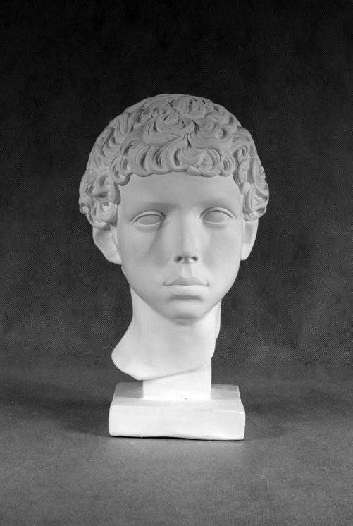 Гипсовая скульптура: Юноша