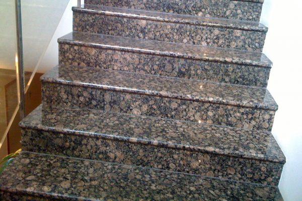 Лестница из натурального камня 6