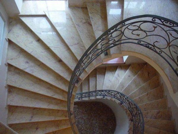 Лестница из натурального камня 9