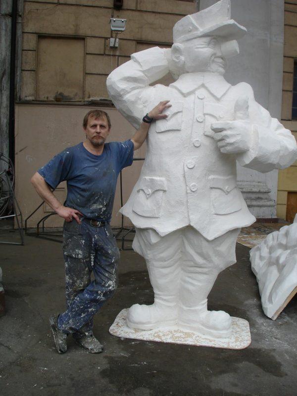 Фигура из пенопласта: Бравый солдат