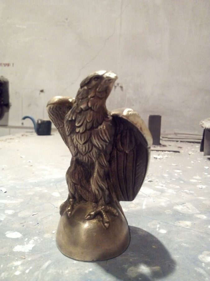 Бронзовая скульптура: «Ястреб»