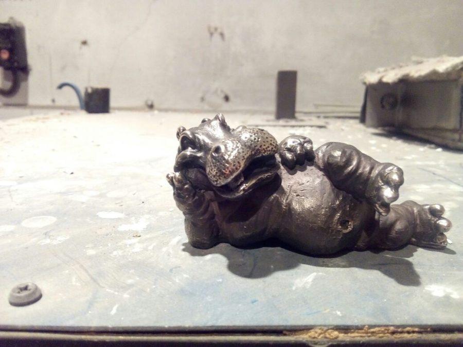 Бронзовая скульптура: «Бегемотик»