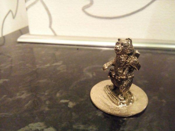 Бронзовая скульптура: «Медведь-охотник»