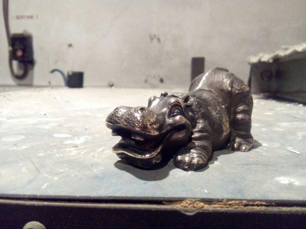 Бронзовая скульптура: «Гиппопотам»