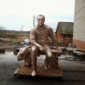 Бронзовая скульптура: «Ожидание»