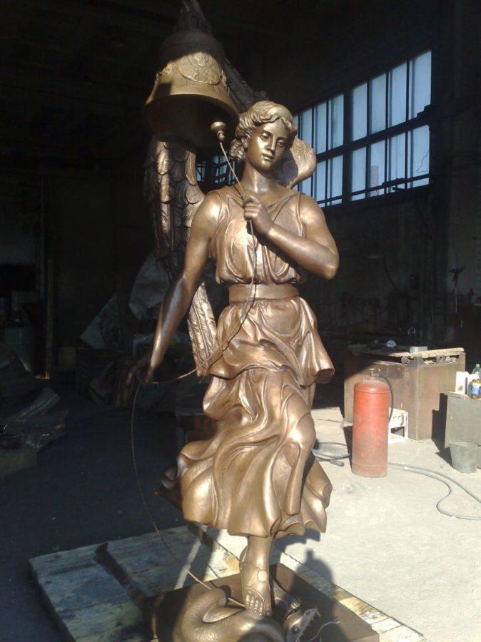 Бронзовая скульптура: «Звонарь»
