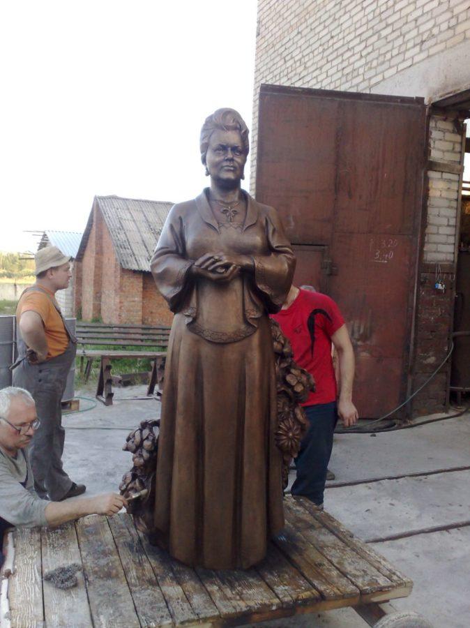 Бронзовая скульптура: «Ирина»