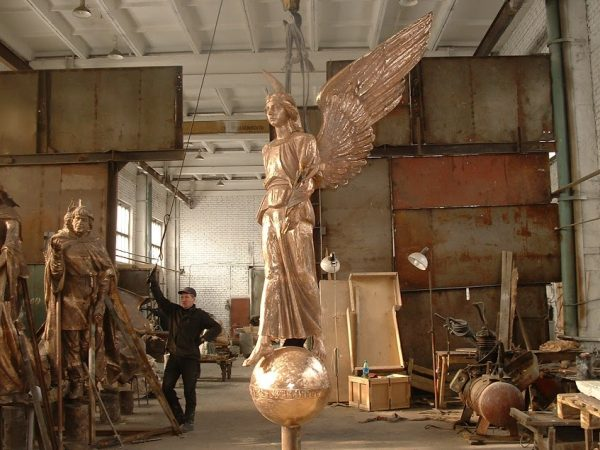 Бронзовая скульптура: «Ангел милосердия»