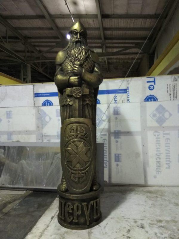 Фигура из пенопласта «Бог Перун»
