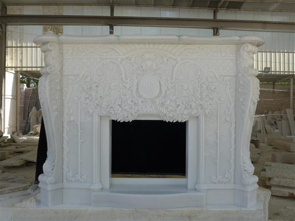 Каминная облицовка из белого мрамора