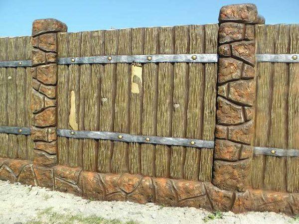 Бетонный забор Деревянный