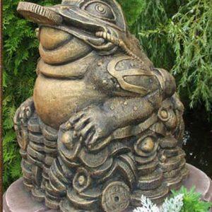 Скульптура из бетона: Денежная жаба