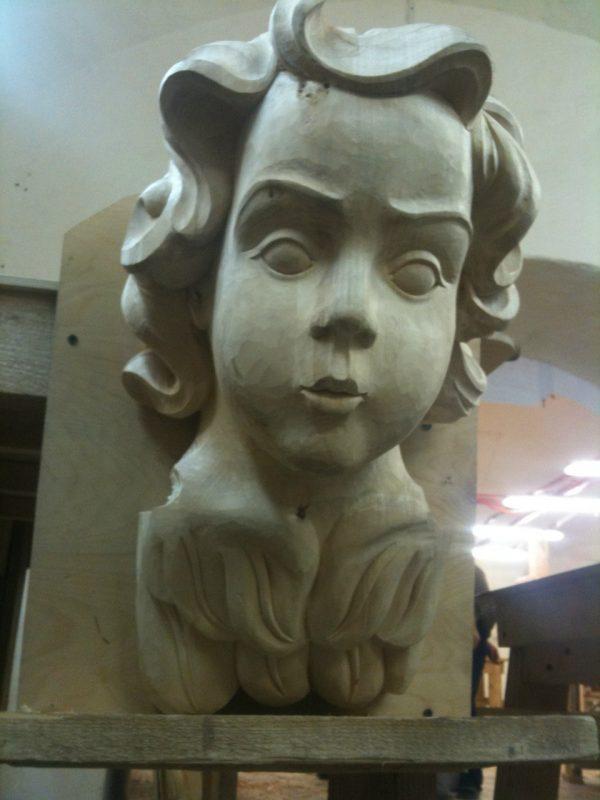 Скульптура из дерева: Ангел