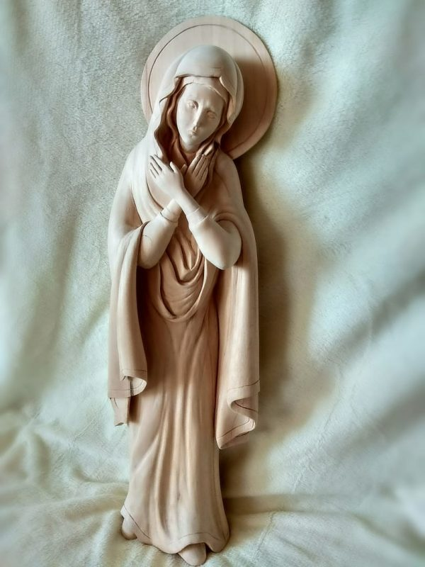 Скульптура из дерева: Богородица