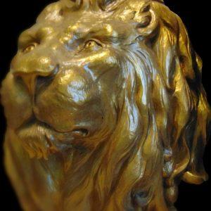 Скульптура из дерева: Бронзовая львиная голова