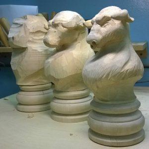 Скульптура из дерева: Телец