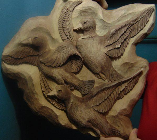 Деревянная резьба: Стая уток