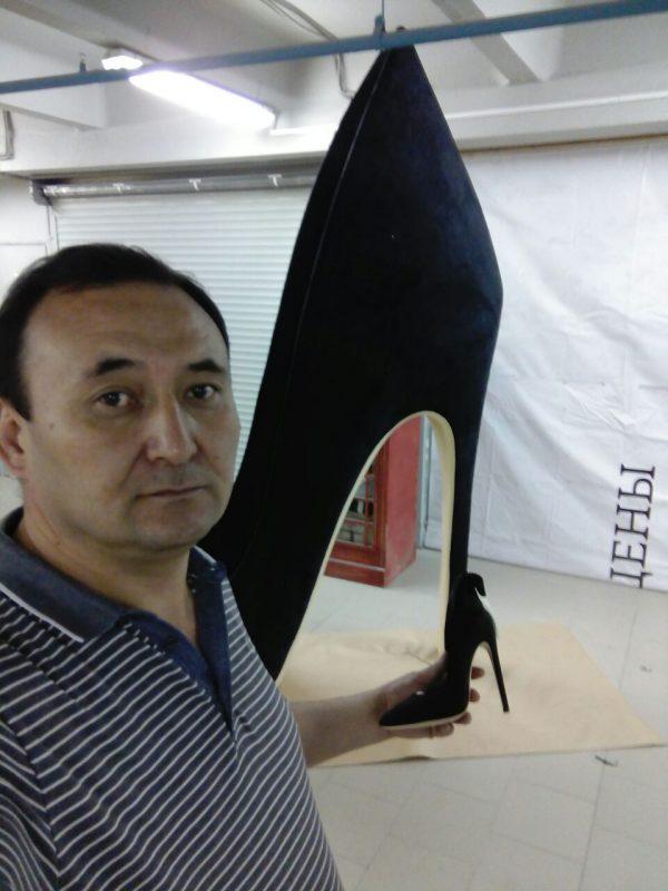 Фигура из пенопласта «Туфли»