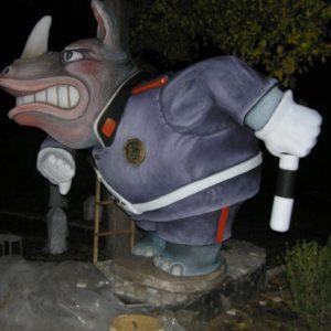 Скульптура из бетона: Носорог-регулировщик