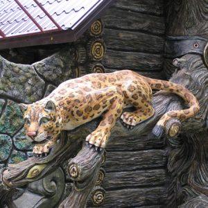 Скульптура из бетона: Леопард