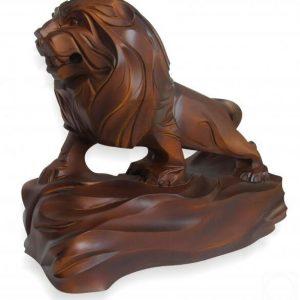 Скульптура из дерева: Фигурка льва