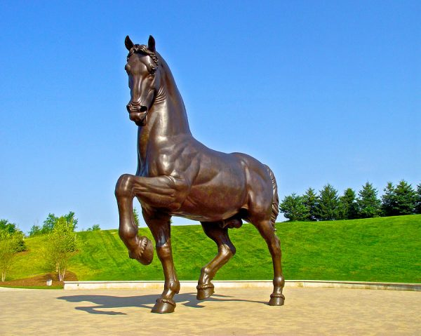 Фигура из стекопластика: Лошадь. Конь из пенопласта