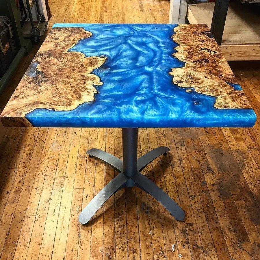 Деревянная мебель: Квадратный журнальный столик
