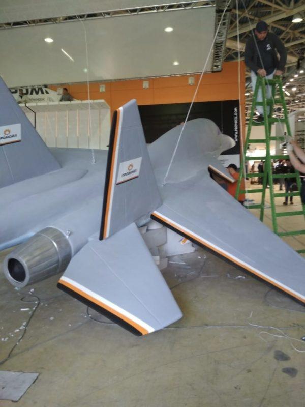 Скульптура: самолет. Фигура из стекломата и бетона: Истребитель