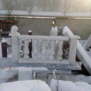 Мраморный забор и декор для него