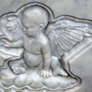 Барельеф в мраморе: Ангелочек