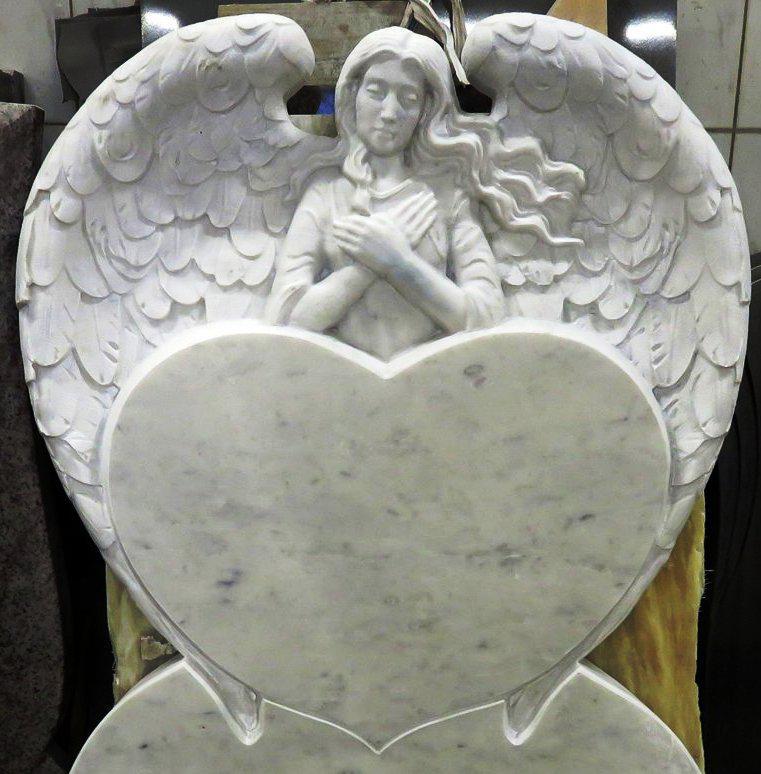 Надгробный памятник: Большое сердце с ангелом