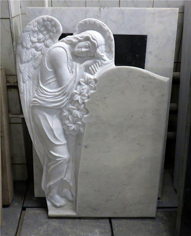 Надгробный памятник: Склонившийся ангел