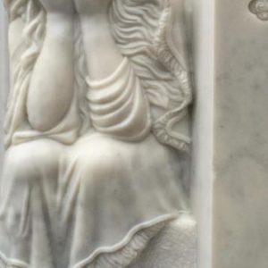 Надгробный памятник: Плачущая девушка