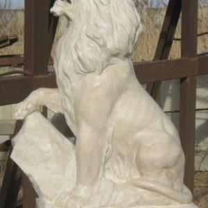 Скульптура из мрамора: Лев