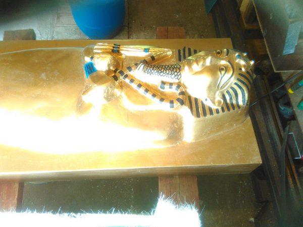 Скульптура из пенопласта и стеклопластика: Гробница фараона