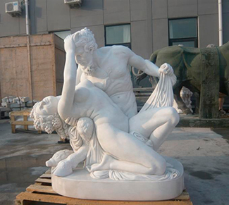 Производство статуй из белого мрамора