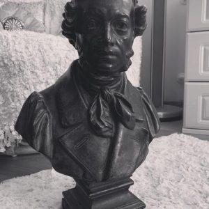 Скульптура из пенопласта и стеклопластика: Бюст А.С. Пушкина