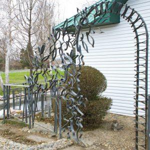 Скульптура из проволоки: Арка