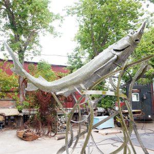 Скульптура из металла: Рыба-меч