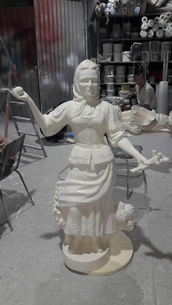 Скульптура из пенопласта и стеклопластика: Трон