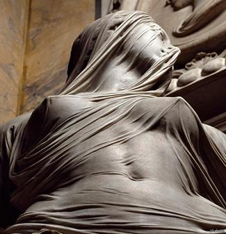 Статуи из мрамора с вуалью