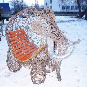 Скульптура из металла: Мамонт