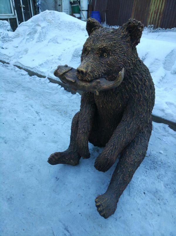Скульптура из пенопласта и стеклопластика: Медведь-учёный