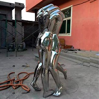 Красивые статуи из нержавеющей стали
