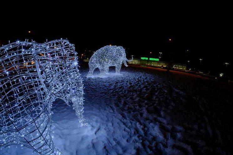 Скульптура из проволоки: Мамонт