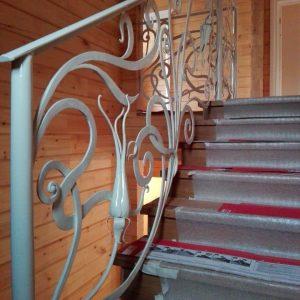 Кованые изделия: ограждение для лестницы